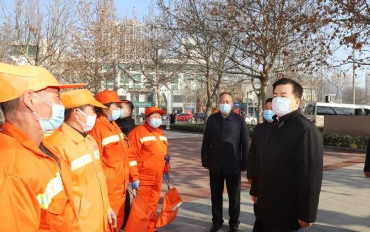 党晓龙看望慰问坚守工作岗位的一线干部职工