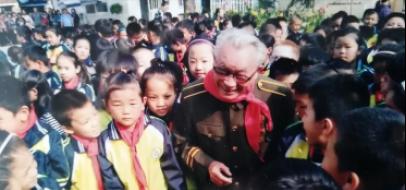 张安祥:从军建功立业奉献,离休快乐潇洒生活