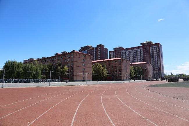 保定理工学院 (2).JPG