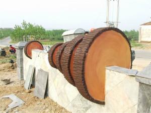 仿木树桩护栏、仿树皮栏杆、仿木桌凳、仿木栏杆、仿木桩