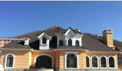 彩石金属瓦建筑