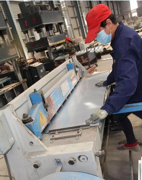 裁剪镀铝锌钢板
