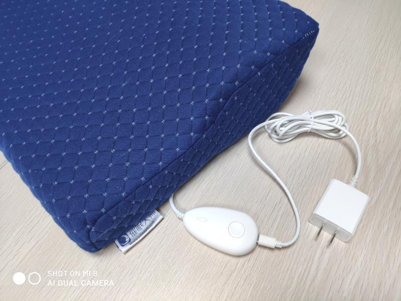 石墨烯发热护枕.jpg