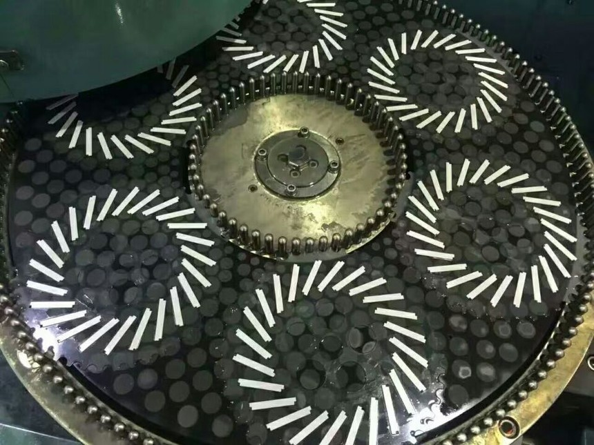 陶瓷金刚石双端面研磨盘原理