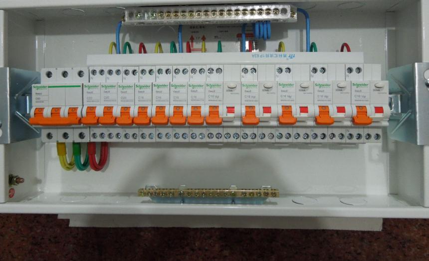 家用配电箱汇流排装接图