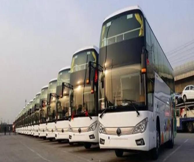 54座巴士