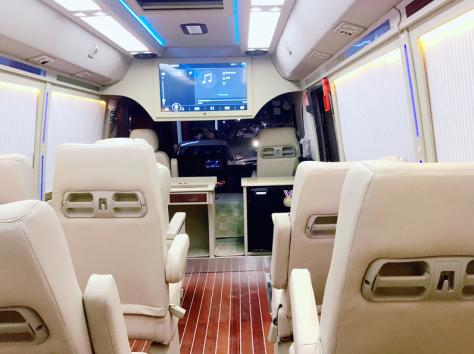 上海19座中巴车租赁