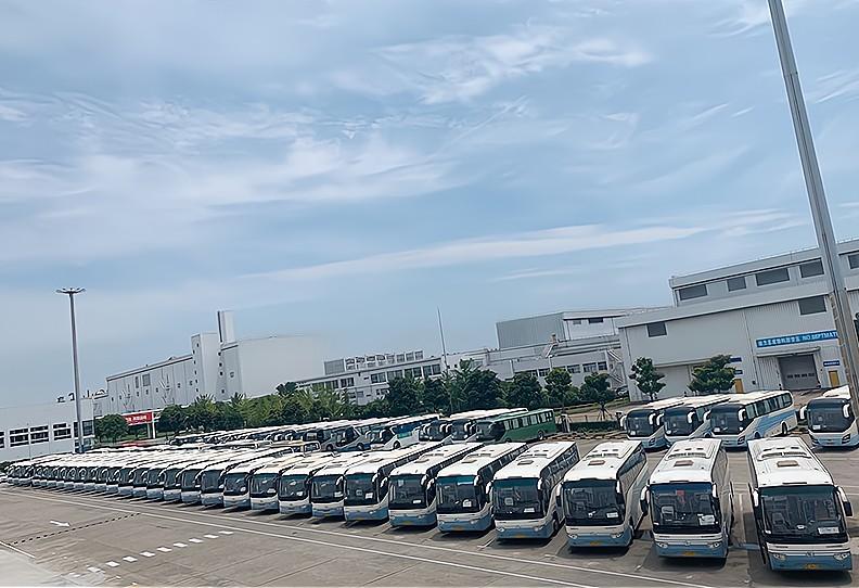 上海短途大巴车出租多少钱一天