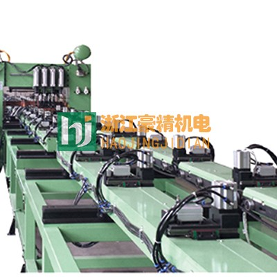 散热器板自动龙门点焊机案例图片