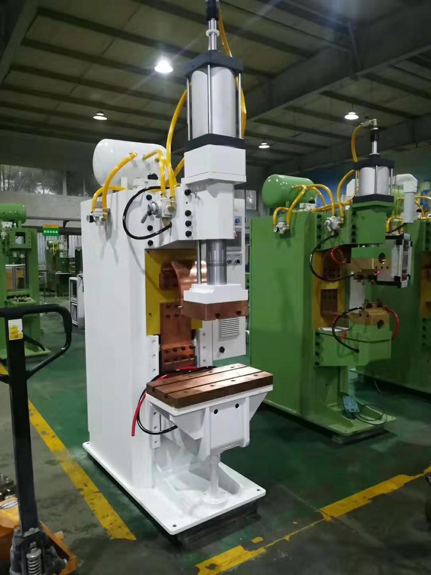连储能小型点焊机生产厂家都夸赞储能小型点焊机好用