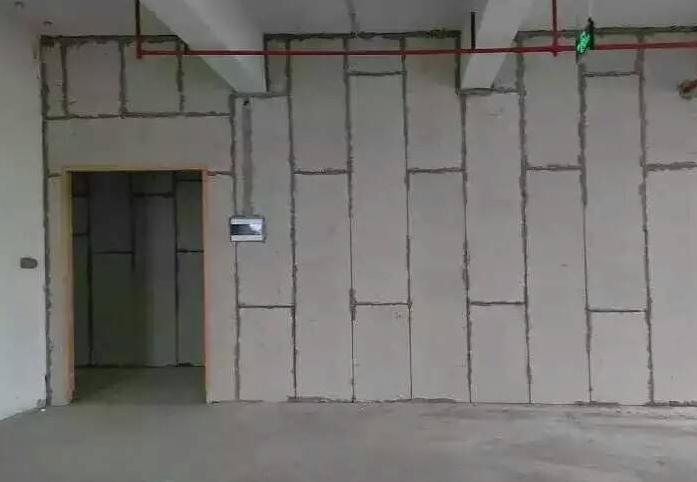 轻质墙板安装产生裂缝的原因有哪些