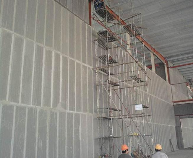 轻质隔墙板人工安装