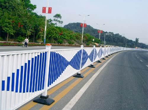 道路护栏的特点