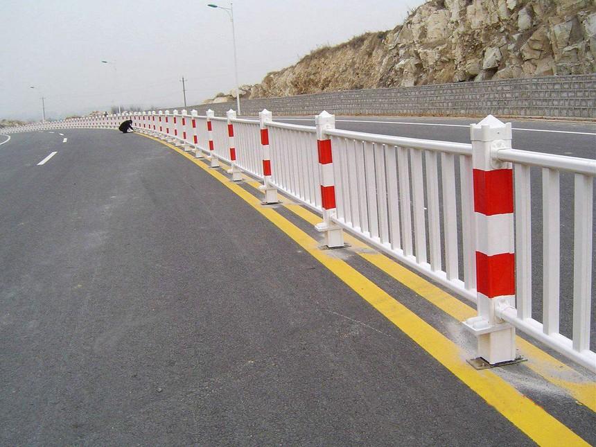 pvc道路护栏优势有哪些