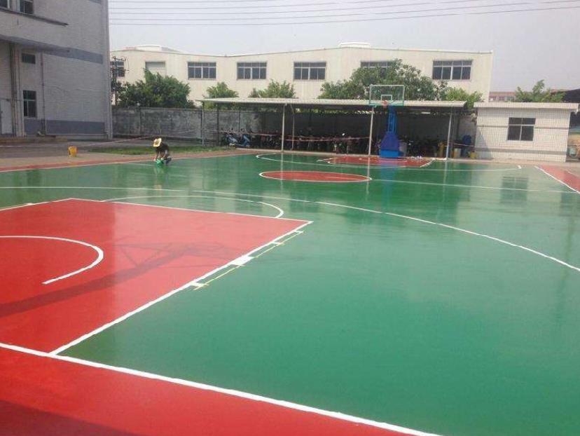 塑胶球场施工过程中淋雨了怎么办?