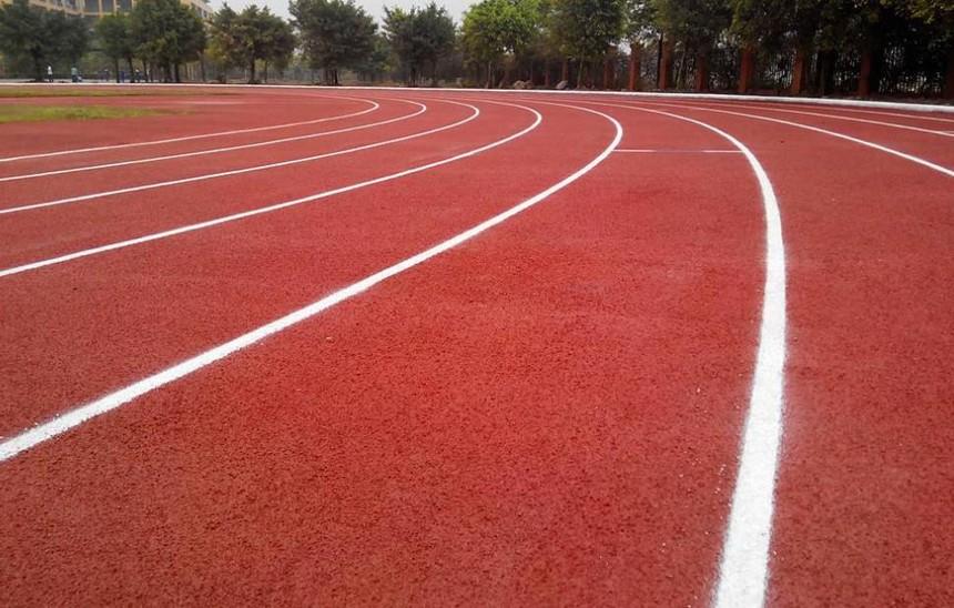 塑膠球場跑道