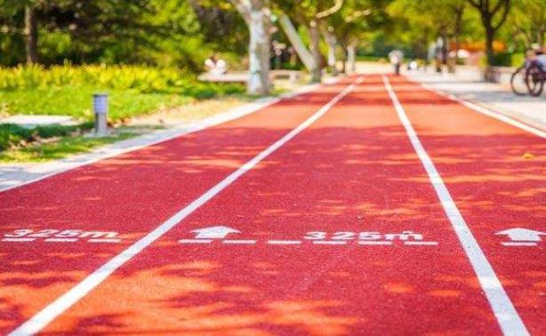 如何使用塑膠跑道才能保證它的持久度?