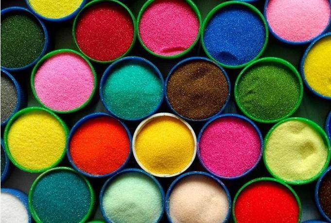 剑占告诉你为什么高温烧结彩砂比染色彩砂质量要好?