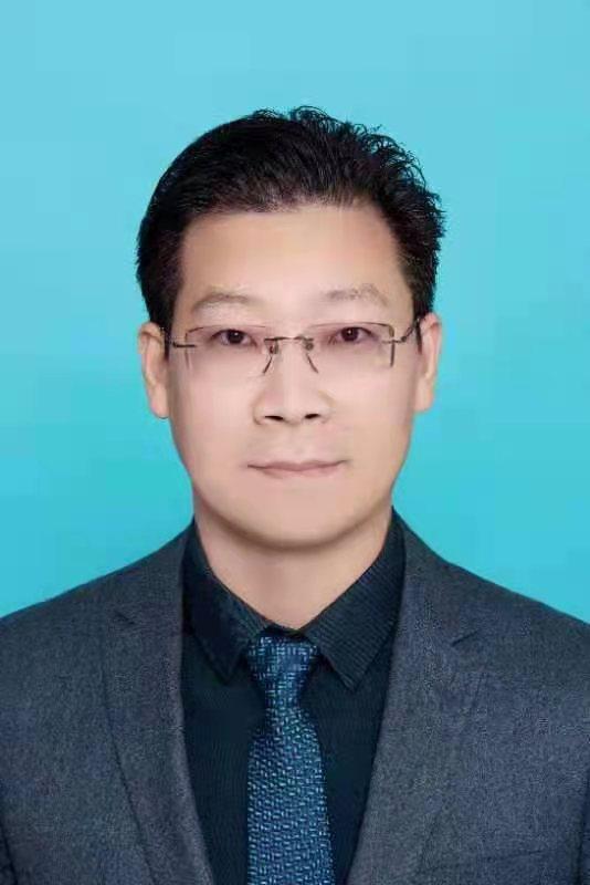 王文顺免冠照.jpg
