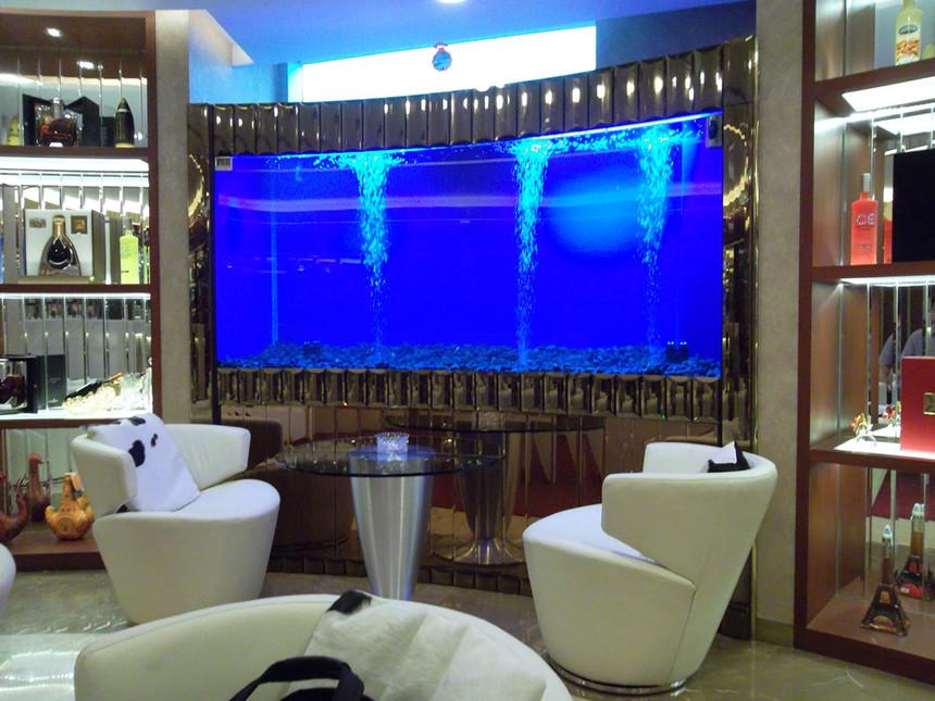 大型亚克力鱼缸订做就找上海耘乾水族工程有限公司咨询13162356777