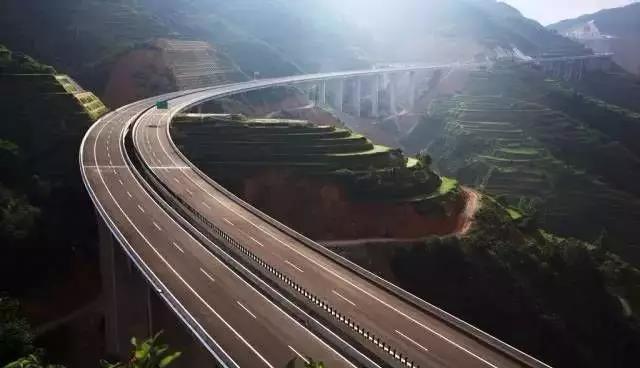 245为什么到处都在加固高速公路桥梁.jpg