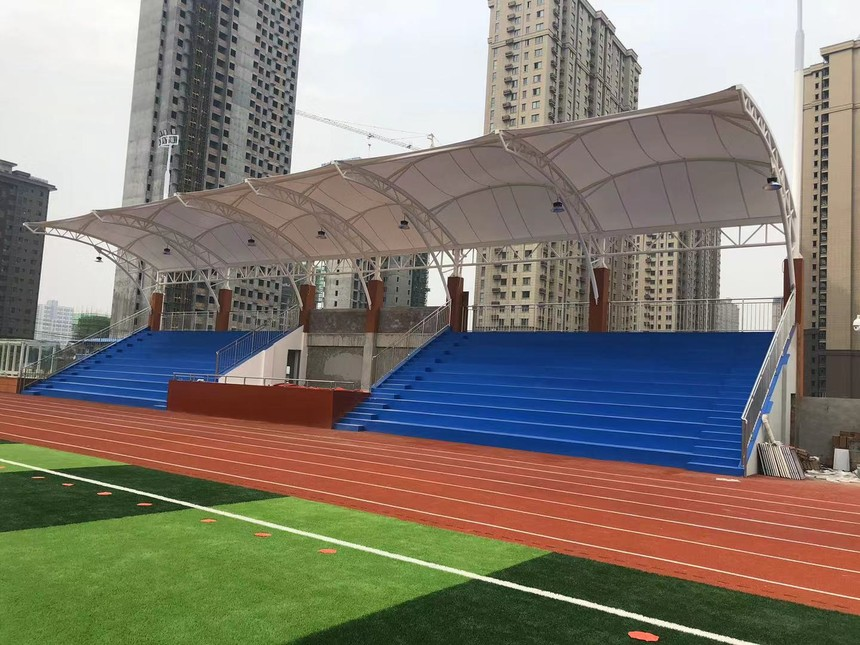 咸阳英才学校膜结构看台.jpg
