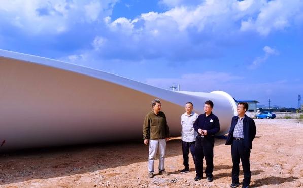 劉軍韜一行赴北京新能源公司湖南、江西項目調研