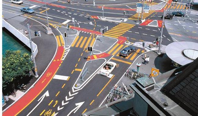 彩色沥青路面VS塑胶路面它们的不同之处有哪些?