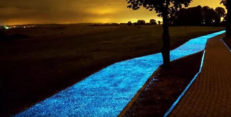 夜光路面,除了可以欣赏风景以外还有哪些作用?