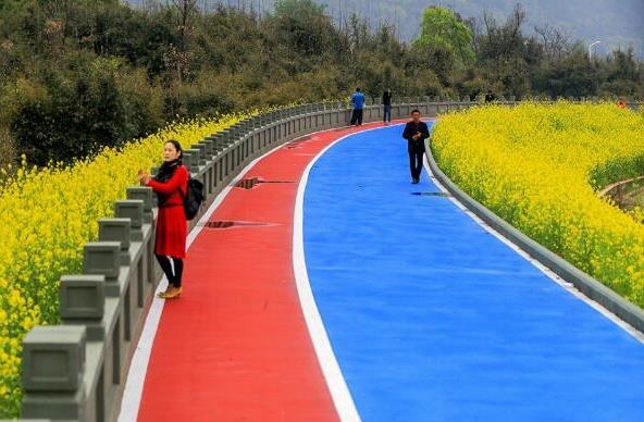 2019年最新彩色喷涂路面施工注意事项及性能参数