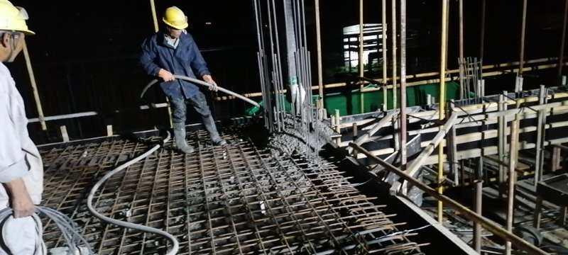 天津中沙项目-电梯间四层梁、柱、板浇筑.jpg