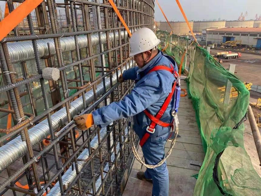山东龙口港区项目-12万立方丙烷低温储罐第五带罐璧钢筋验收.jpg