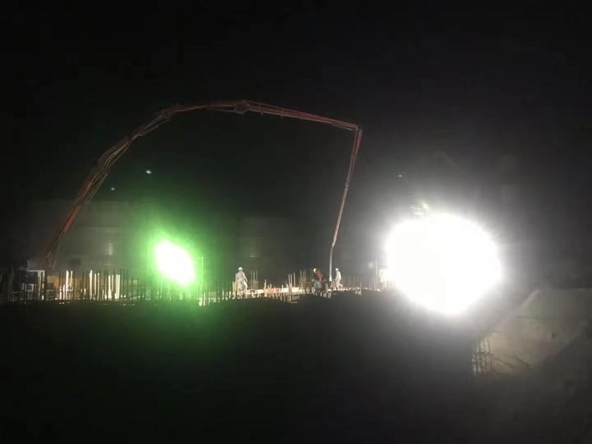 浙江绍兴恒鸣项目-卸煤站坡道煤料斗顶板墙壁600方砼浇筑.jpg