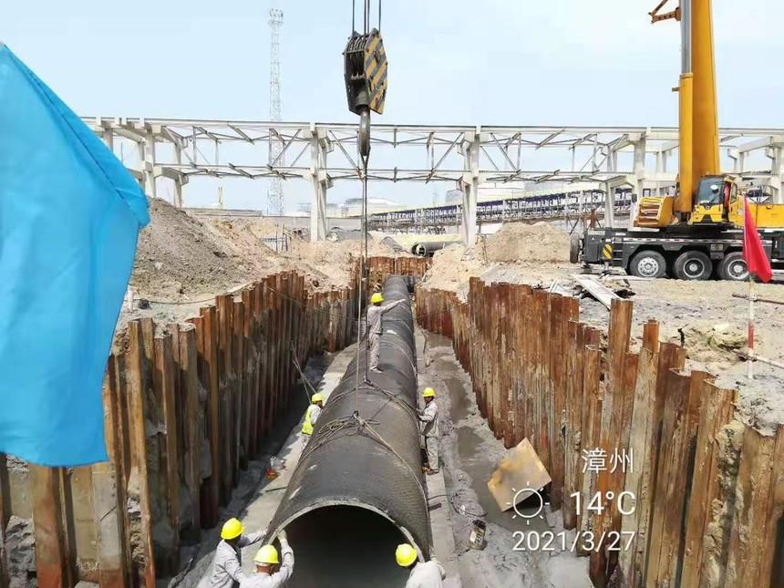 福建古雷项目-码头外排管安装.jpg