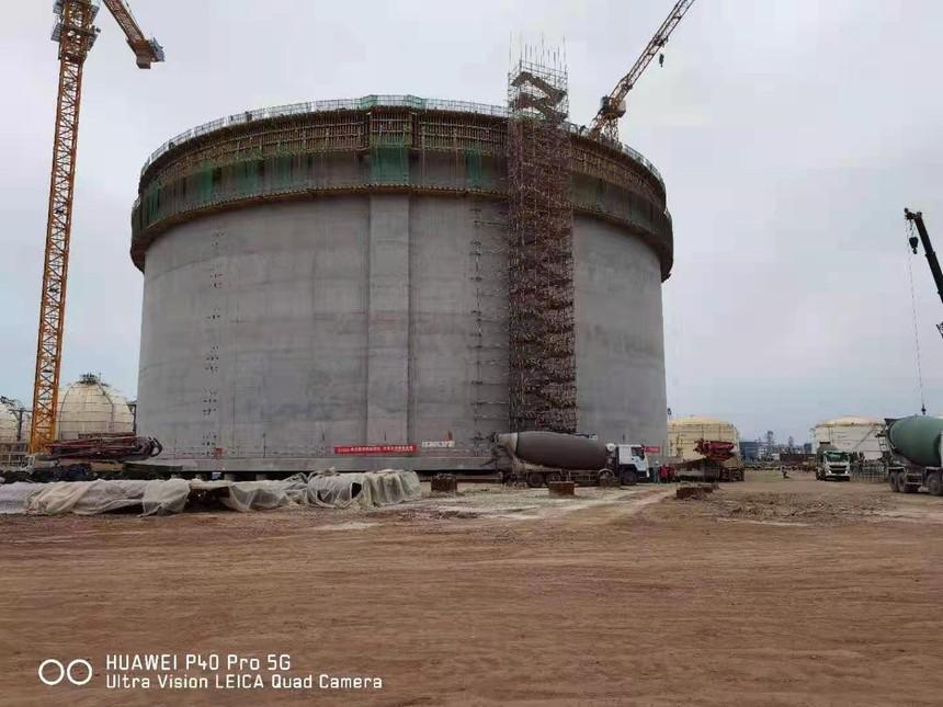山东龙口港区项目-第十罐壁砼安全圆满浇筑完成.jpg