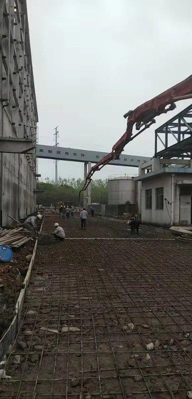 浙江绍兴恒鸣项目-12号路地面浇筑.jpg