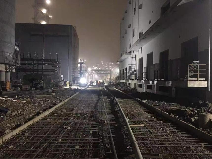 浙江镇海项目-变电所东侧道路砼浇筑.jpg