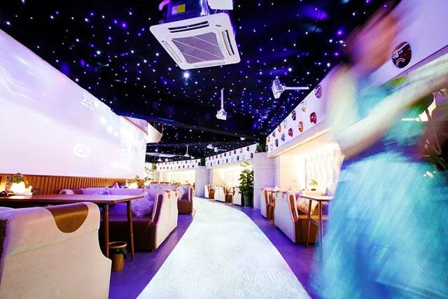 超梦幻的3D互动投影餐厅