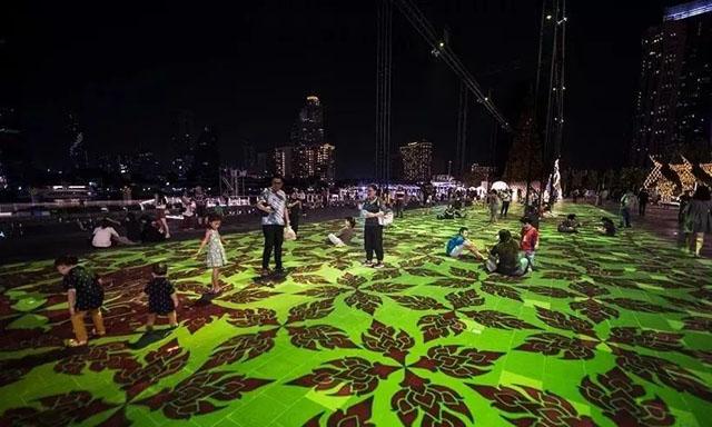巨大的魔术地毯互动投影