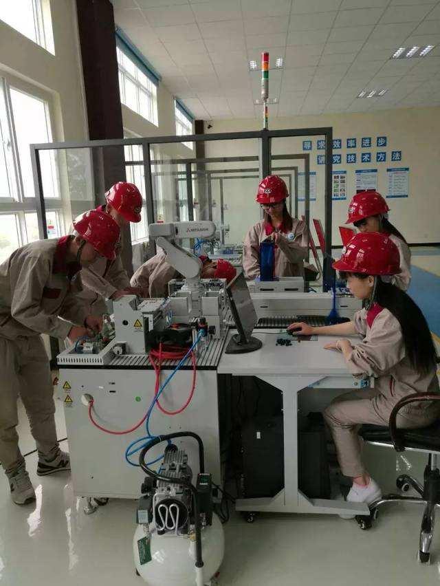 工业机器人应用与维护专业简介