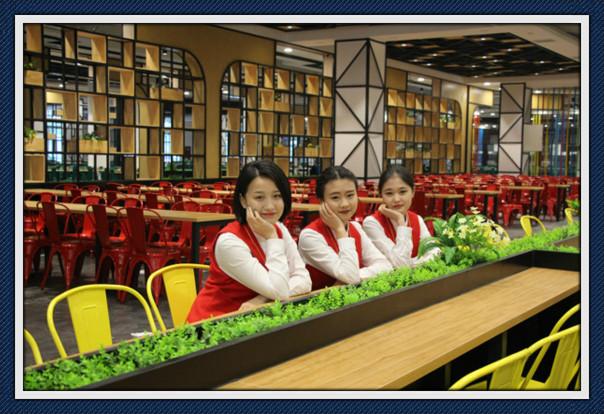 四川五月花技师学院学生就餐环境