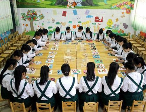 成都希望幼儿师范学校招收初中生吗