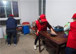 刘园社区志愿者开展扶贫日志愿服务活动