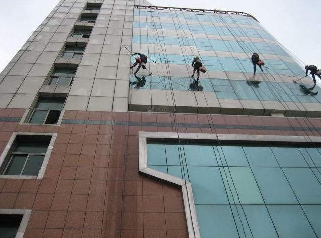 重庆外墙清洗4.png