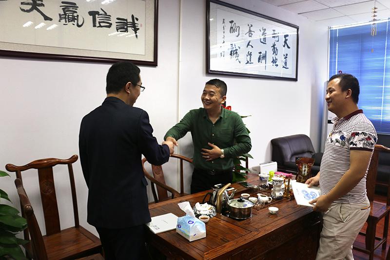 为什么选择广州美容仪器厂家?