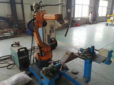 山東焊接機械手
