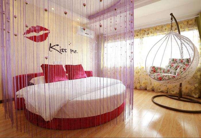 浪漫圆床卧室效果图 总觉得下一秒就会滚下床!
