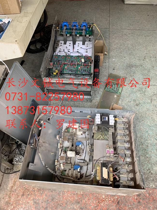施耐德ATV61-160KW及易能EDS2000-110KW.jpg