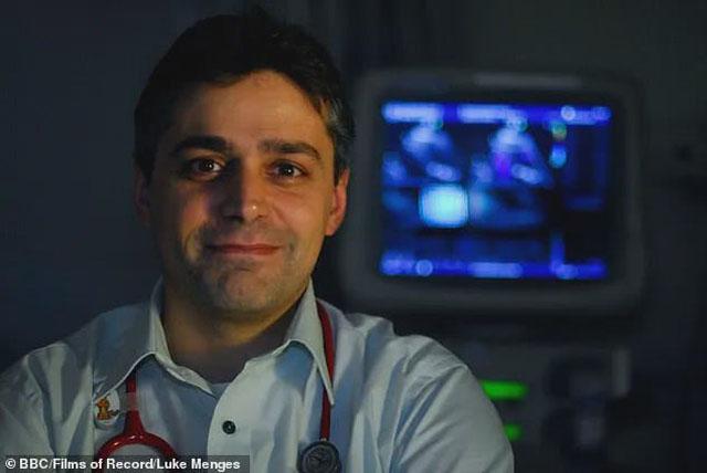 英国医生 亚历山德罗·贾尔迪尼.jpg