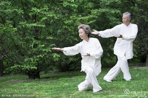 老人运动1.jpg